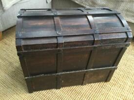 Wooden chest storage box