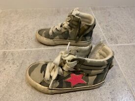 Next girls shoes size 9 pink star with camouflage pattern be1e647e0