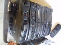 Goodmans Midi HiFi 2x Tape, Record Player 3 disc CD Player, Tuner, Remote Stereo