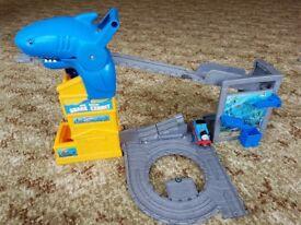 Fisher price Thomas & Friends Take-n-Play Thomas Shark Exhibit Playset