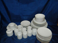 4 Place Thomas [Germany] dinner set and other pieces
