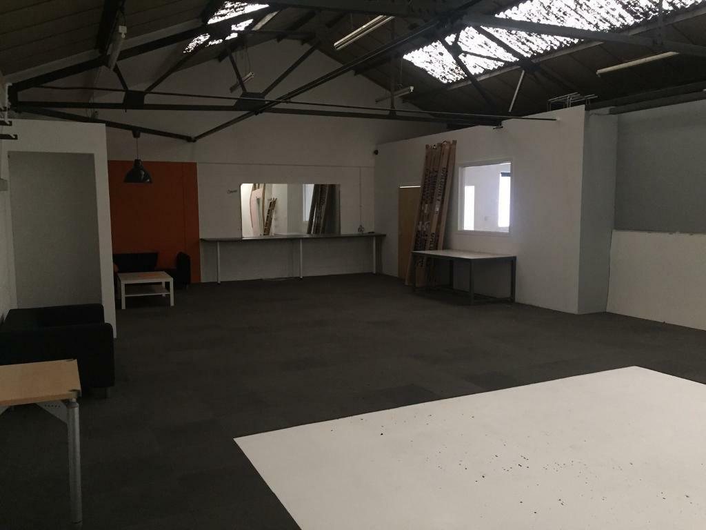 office and storage space desk 1500 sq ft officestorage space available in kt12 kt12 surrey