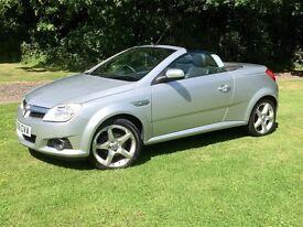 Silver Vauxhall Tigra 1.4i 16v Exclusiv