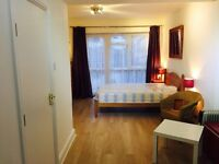 Large Double Room(ENSUITE) own Garden area