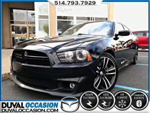 2012 Dodge Charger SRT8 Super Bee + 6.4 HEMI 470 CH + MAGS