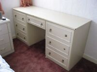 DRESSING TABLE FREE