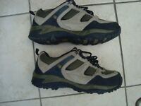MEN'S KARRIMOR WALKING SHOES SIZE 9 LEATHER/TEXTILE UPPERS EXC CONDITION