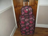 Tripp 2 wheel Trolley Suitcase with matching Vanity Case in good condition