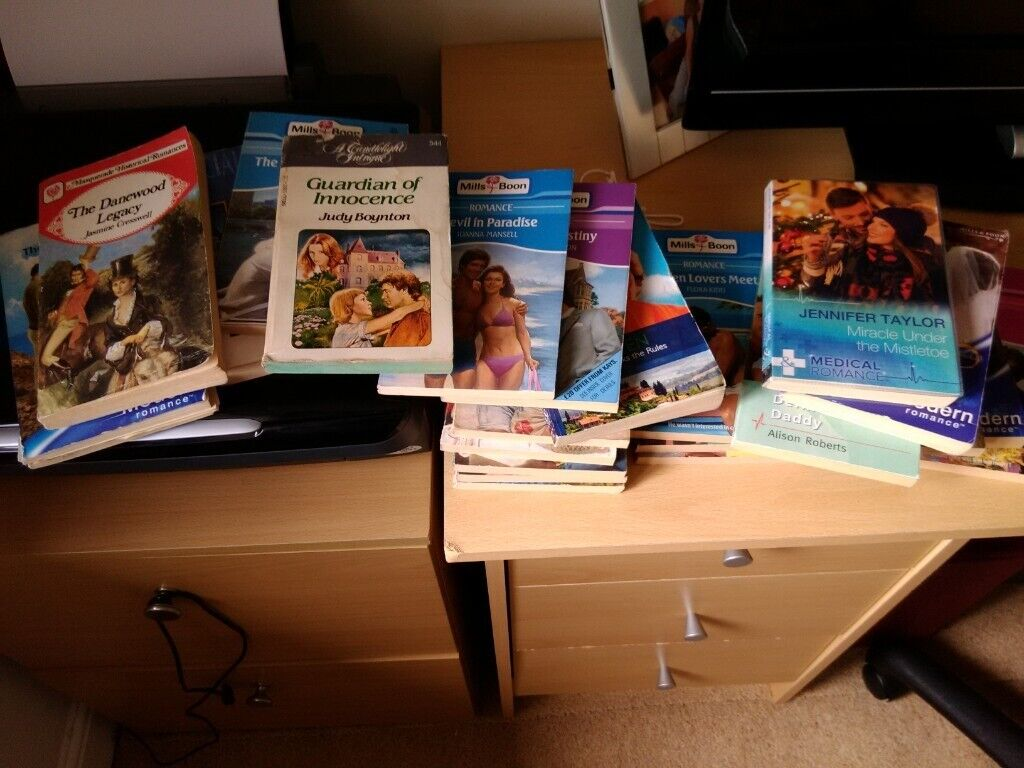 22 Mills And Boon Books In Wolverhampton West Midlands Gumtree