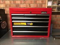 HALFORDS Roller bearing tool box.