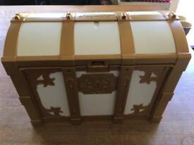 Playmobil Royal family chest set