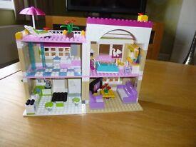 LEGO OLIVERS HOUSE