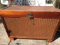 Wooden chest/ottoman