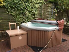 Canadian Spa Portable Type Hot Tub ( Excellent Condition, free delivery)