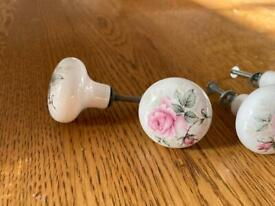Set of porcelain vintage knobs