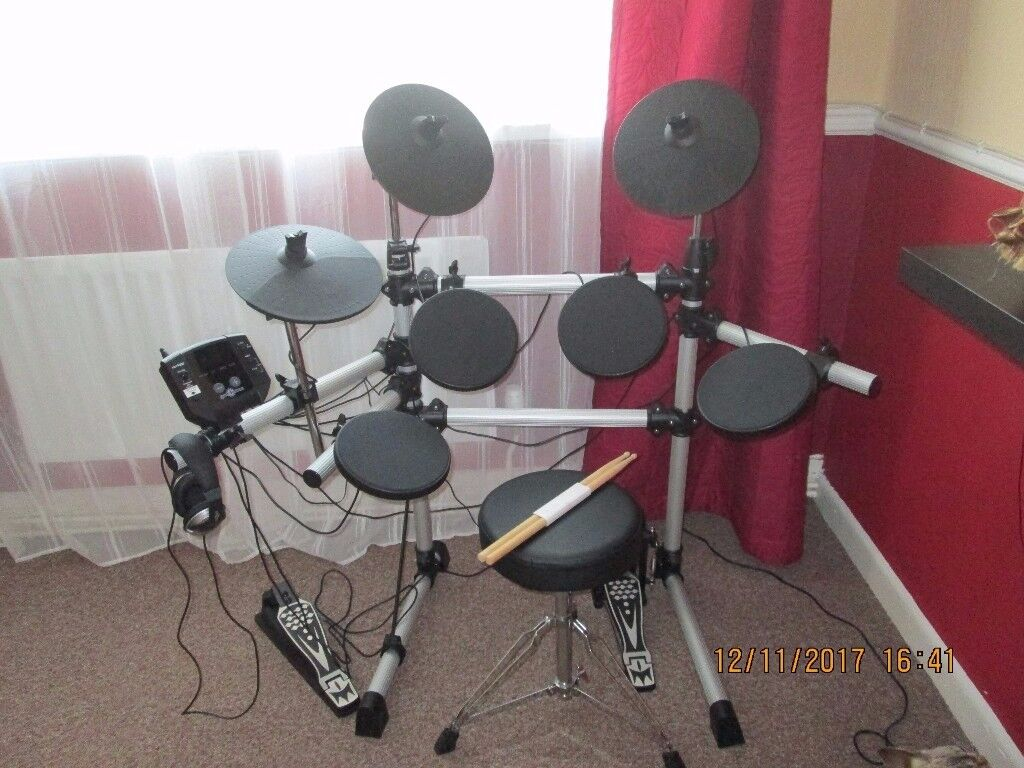Drum Kit Gear4music DD420. In good condition. Collection only.