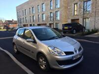 RENAULT CLIO AUTOMATIC 2007 it's not polo golf Yaris or Astra corsa vw