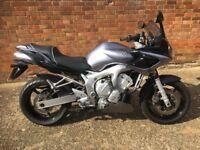 Yamaha FZ6 Fazer 600 motorbike