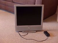 """19"""" LCD Television (PC monitor with an integrated TV tuner) and FM radio + remote control"""