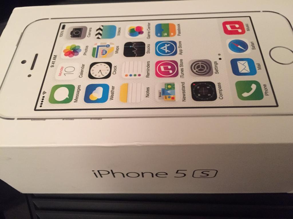 iPhone 5s white 16gbin Motherwell, North LanarkshireGumtree - Selling my iPhone good condition on Vodafone network . Pick up only no offer