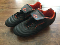 Football boots, size 6 (adult)