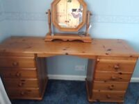 8 Drawer Dressing Table with Mirror