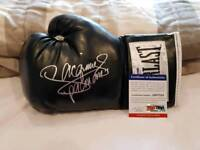 Everlast boxing glove handsigned by boxing legend Manny pacquio with PSA authentication