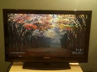 Toshiba 37inch lcd tv with chromecasst (generation 2) in box