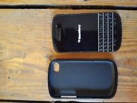 Used Black Blackberry Q10 with screen protector and soft shell casing in Camberwell