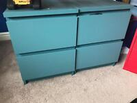 Small chest of drawers / bedside tables