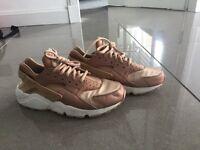 Rose gold Nike air huaraches uk size 4.5