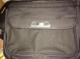 Targus laptop bag (Open To Offers)