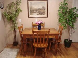 Pine Harvest Table Dining Set