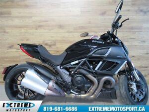 2012 Ducati Diavel Dark 63$/semaine