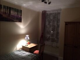 Large single room - stanza singola - all bills included