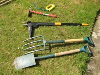 Spade and Fork £15 and 3 other tools surplus to requirements - collect CR8 Purley