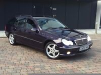 MERCEDES C CLASS C320 AUTO/TIP FACTORY AMG BODY KIT LEATHERS /SATNAV CHECK-IT