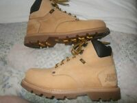 GENTS CATERPILLAR BOOTS. SIZE 9. IN GOOD USED CONDITION