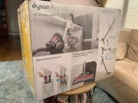 NEW/SEALED Dyson Big ball multi floor 2 !! (RRP 250£)