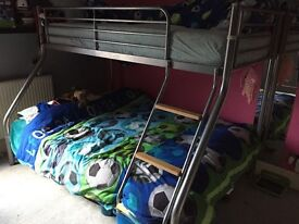 TRIPLE SLEEPER BUNK BED WITH DOUBLE MATRESS