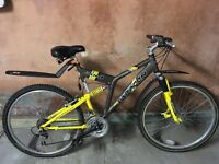 Full suspension Saracen mountain bike