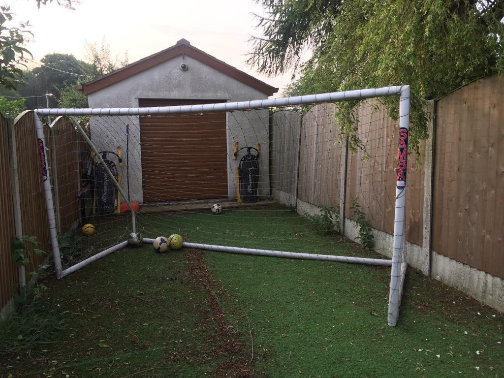 Samba Goal Football Net 12ft x 6ftin Middleton, ManchesterGumtree - FOR RECREATIONAL USE ONLYFor league and match use see 12 x 6 SAMBA MATCH GOALFully portable. Free standing. Highly flexible. Use on any surface. Virtually maintenance free. Fits in an average sized family car. High impact uPVC. Light and easy to...