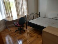Rooms available for Full Time Students at Cardiff Uni - Very Close to Uni - £340 incl all bills