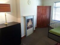 Double room for rent in 5 min walk to Tottenham Hale station!!