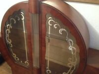 Hubbinet Antique display cabinet in good condition.