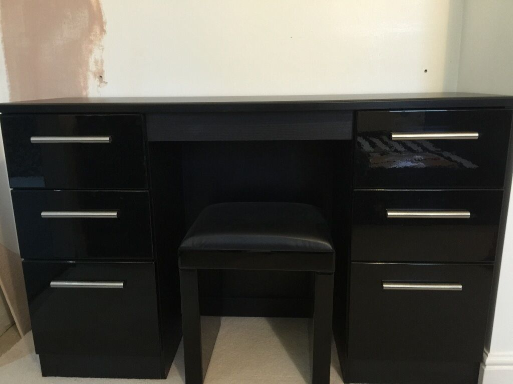 Double Pedestal Dressing Table In High Gloss Black 3