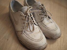 nike white skateboard shoes size 8