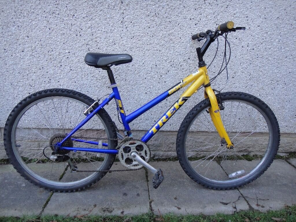 Trek 800 sport bike, 26 inch wheels, 21 gears, 17 inch framein AberdeenGumtree - Trek 800 sport bike, 26 inch wheels, 21 gears, 17 inch frame, blue and yellow working order can possibly deliver call or text Trek 800 sport bike on 07873637901 sold as seen
