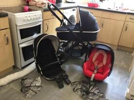 REDUSED !!! £200Ono !!! Was £250 !!Oyster 2 FULL TRAVEL SYSTEM