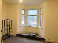 3 Bedrooms Newly Refurbished Flat to Let on High Street North London E6 1JB